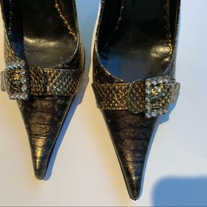 Chiarini Bologna Shoes - Snake skin design leather jewelled pumps, 7
